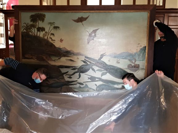 Image showing Specialist art movers Constantine carefully wrap Duria Antiquior up for its journey to Paris
