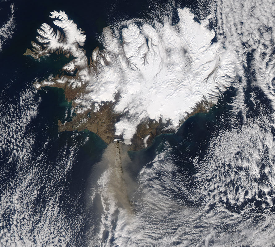 Satellite photo of Iceland, showing the Eyjafjallajökull ash plume moving south across the ocean.
