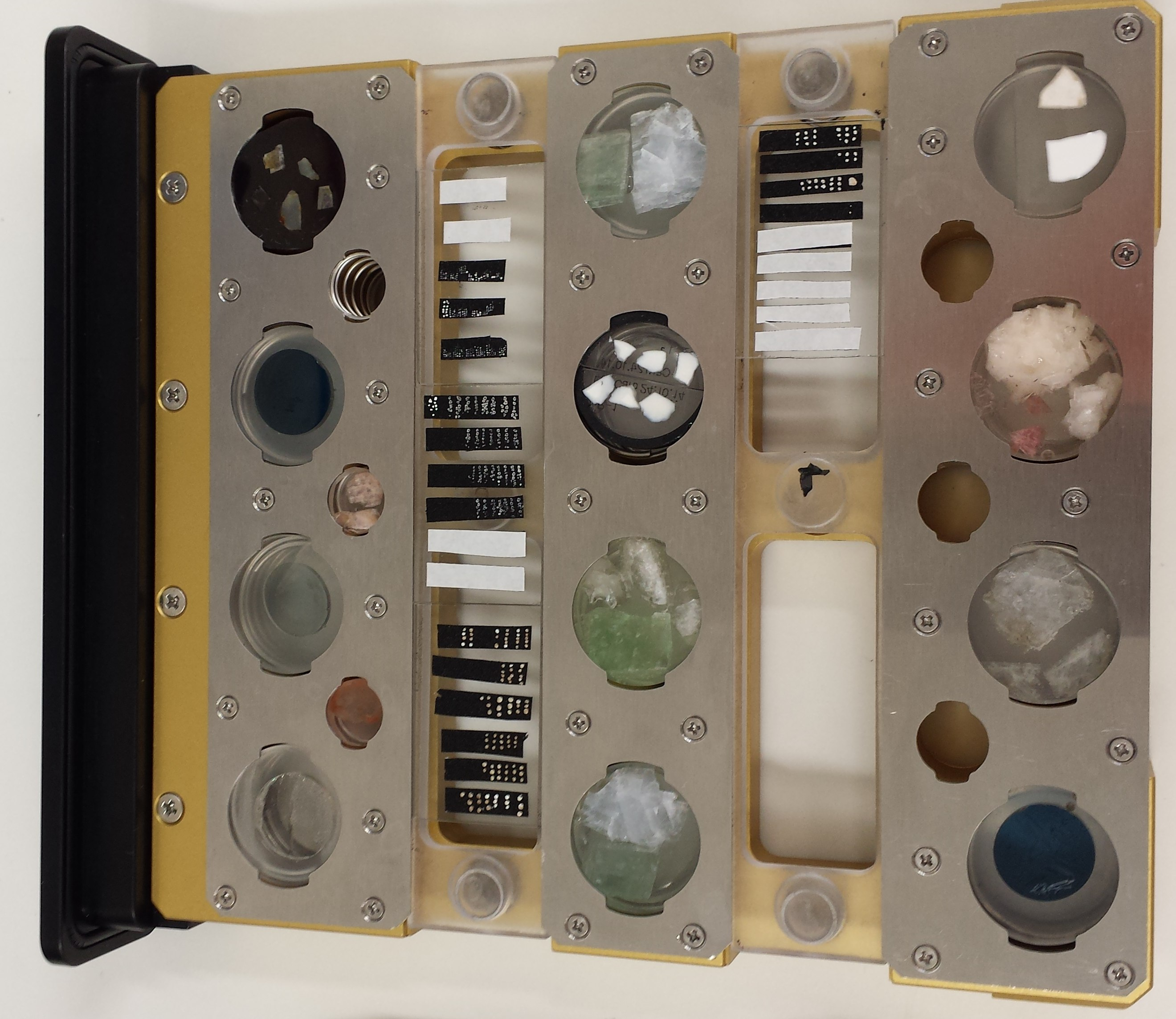 Example of standard sample holder (12 -1 inch +6 1/2 inch discs + 4 glass slides)