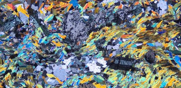ctd_schist_thin_section_xpl